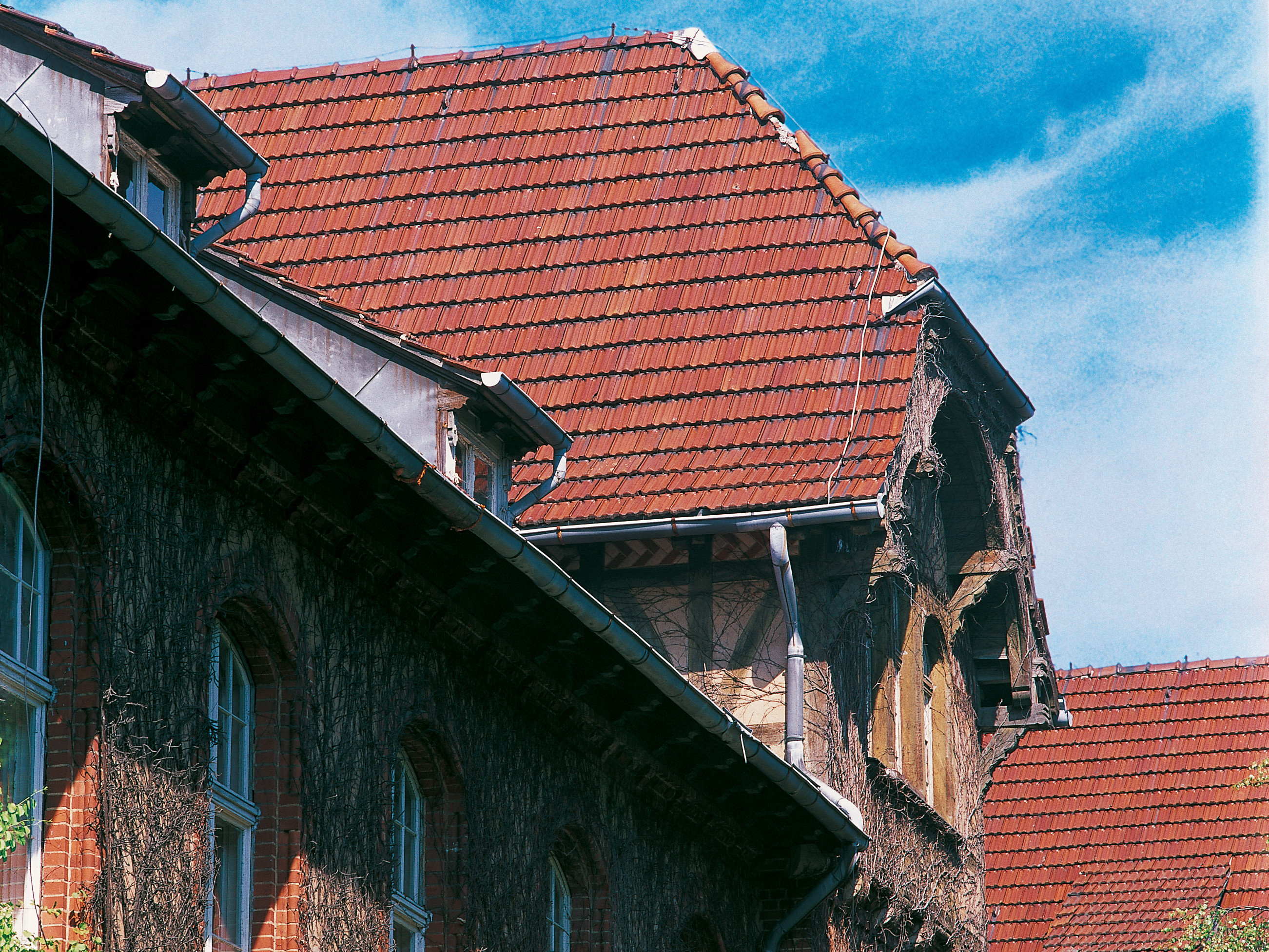 Longevity of clay roof tiles